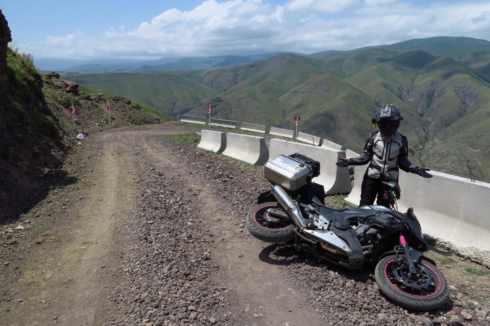 10 motivi per fidanzarsi con una donna motociclista