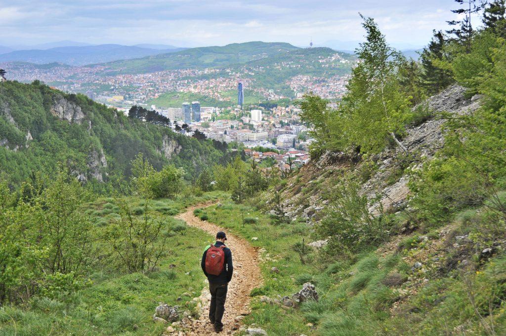 Discesa_dalle_montagne_verso_Sarajevo