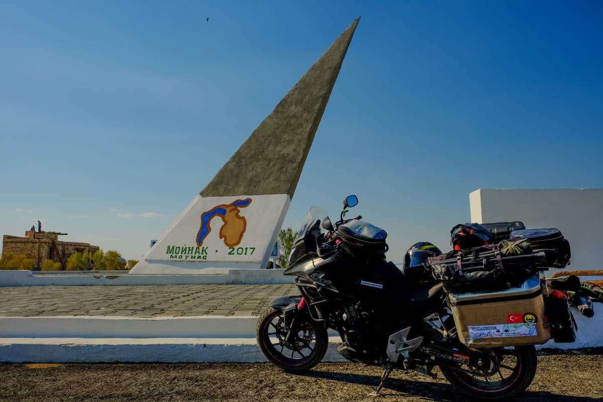 esplorare la Via della Seta in moto