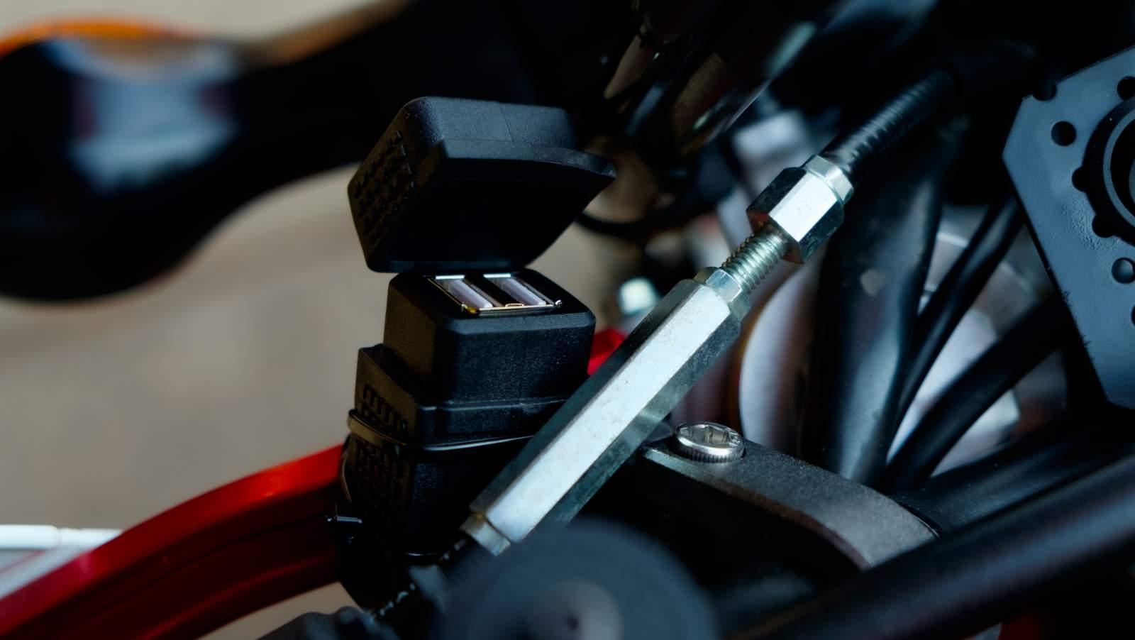 10 oggetti da avere quando si viaggia in moto